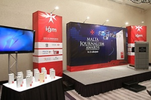 IGM MJA 2013 awards and backdrop